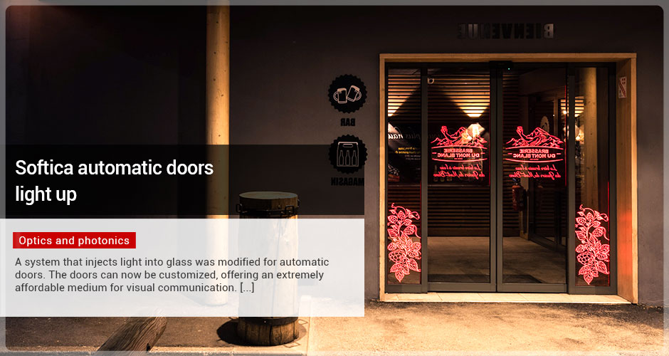 Softica automatic doors light up